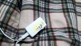 おすすめ暖房器具『電気ひざ掛け』が寒い冬のマストアイテムに!手軽に使えて本体と電気代も安い!